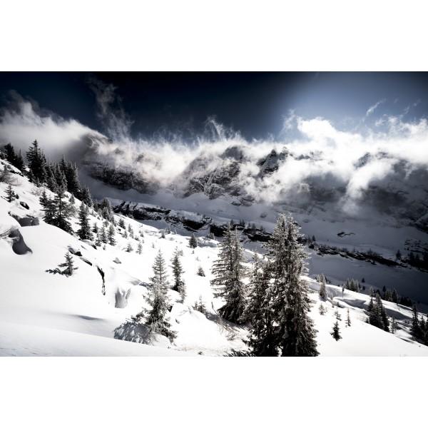 Tourmente en montagne en hiver
